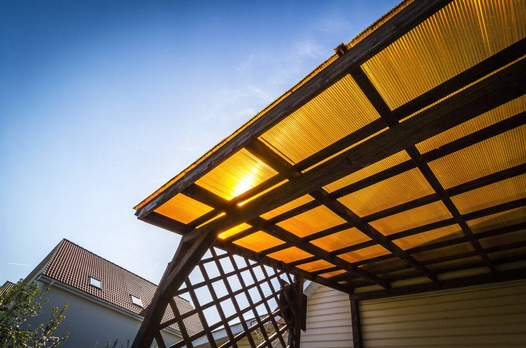 canopy with polycarbonate sheeting